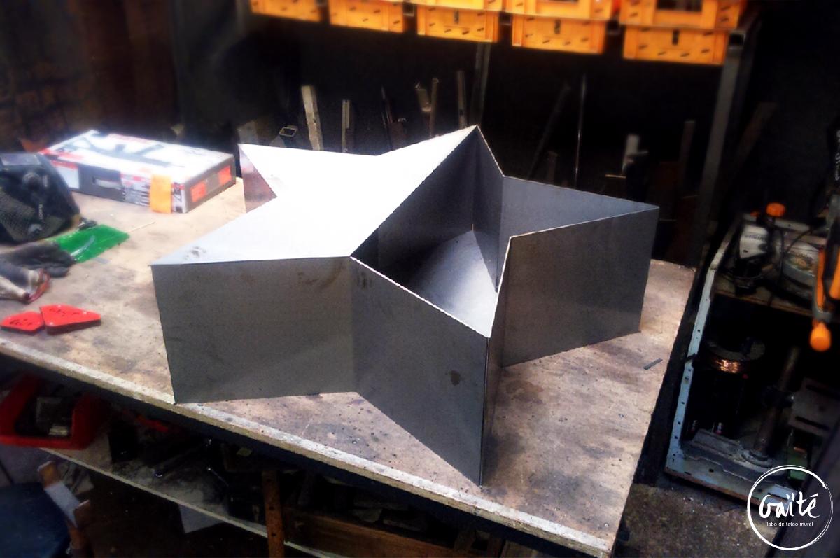 Etoiles géantes en acier