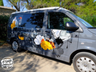 VW-T5-passager-compo-florale-van-sticker-pimpyourvan-pose