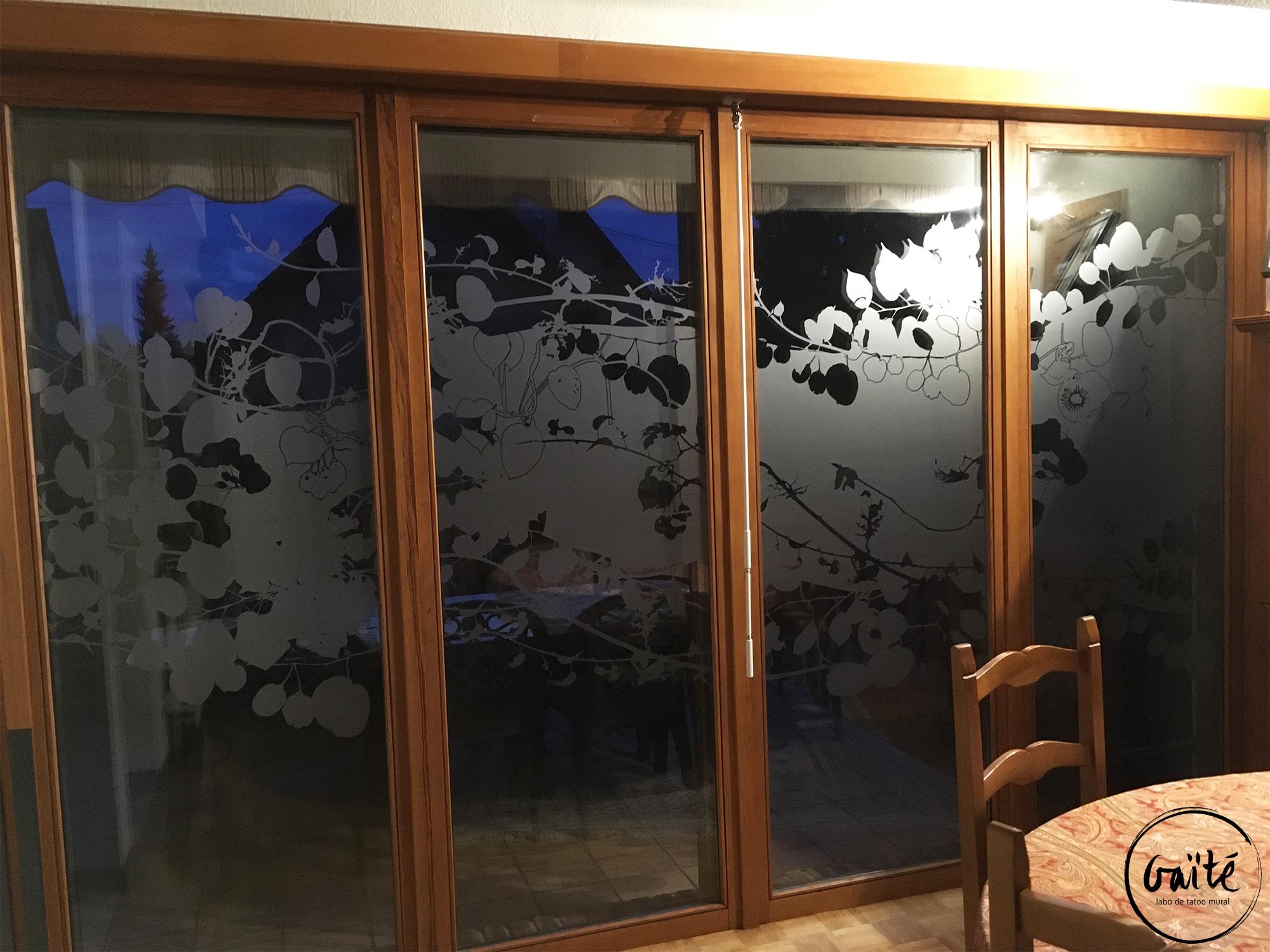 Confidentialité et habillage graphique de vitres